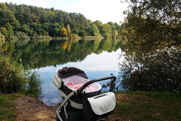 Mimo, że początek miesiąca był cudowny, generalnie październik nie rozpieszczał piękną pogodą. Jednak udało nam się wybrać na cudowny spacer, podczas którego zrobiliśmy mnóstwo pięknych zdjęć.