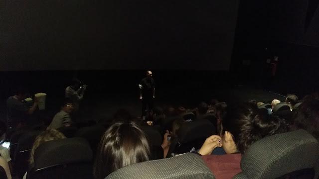 """Javi de Blogos de Oro dando el """"discurso"""" de inauguración antes de la proyección"""