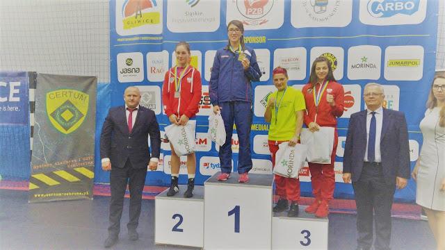 Kinga Szlachcic - Dekoracja zawodniczek, Seniorek kategorii wagowej do 57 kg