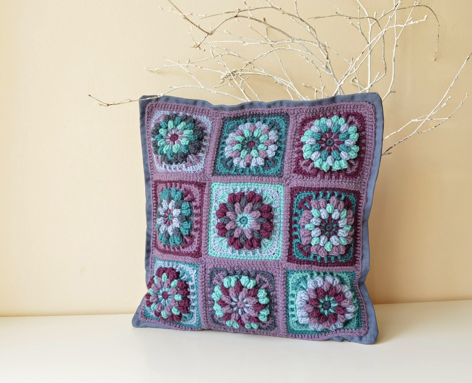 Dahlia Pillowcase: Volume and Structure | LillaBjörn\'s Crochet World