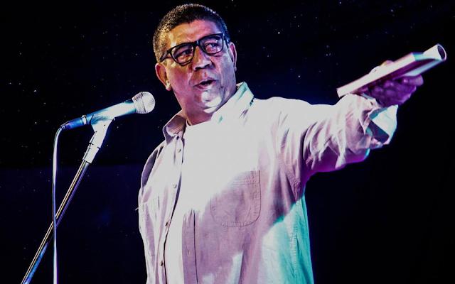 Sarau da Cooperifa celebra 30 anos de carreira de poeta Sérgio Vaz