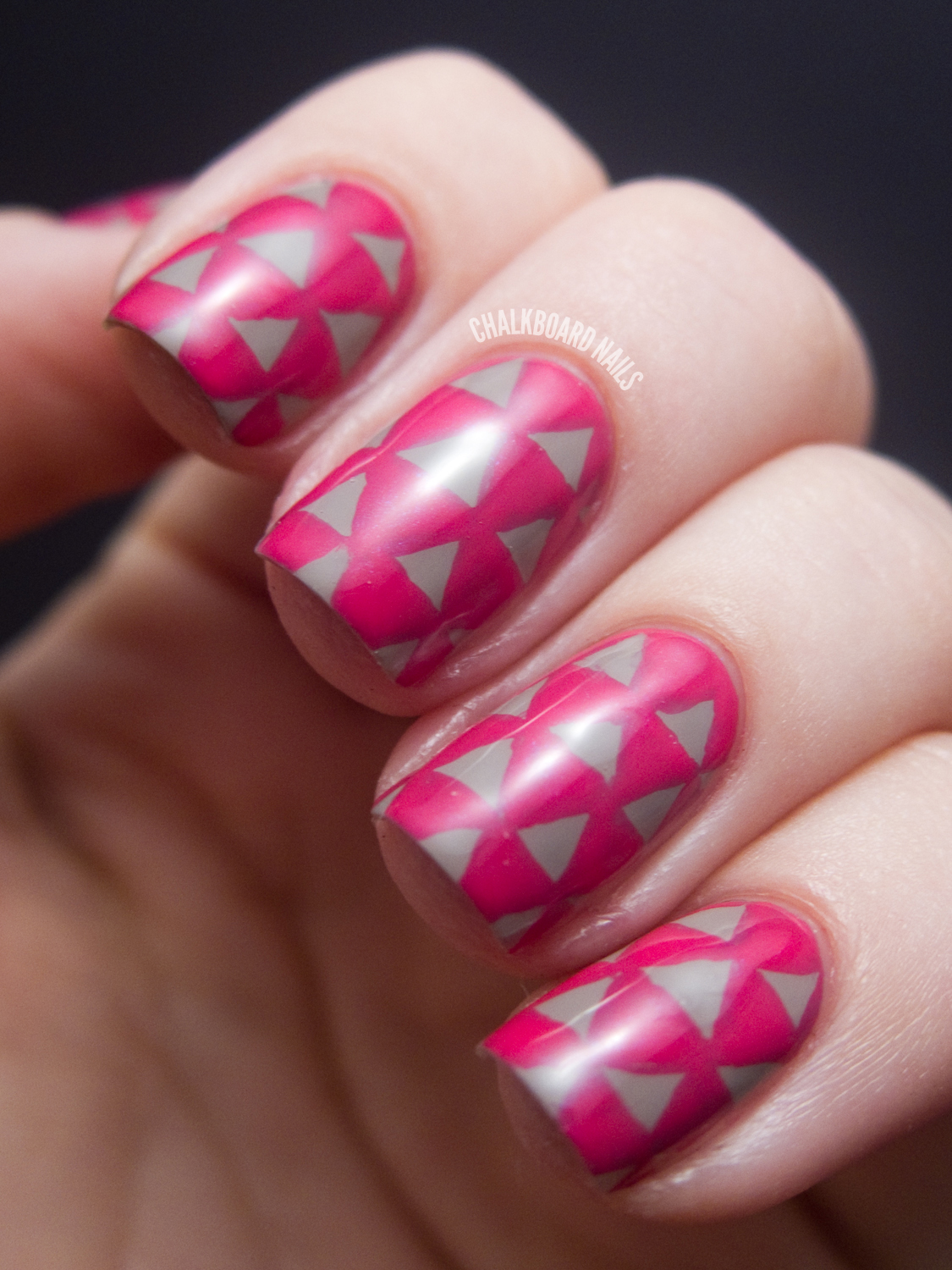 Triangle Pattern Nails
