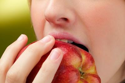 15 Manfaat Luarbiasa Buah Apel Bagi Kesehatan