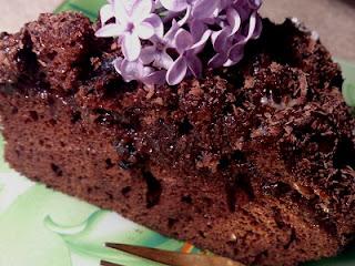 shokoladnyj-pirog-kochki-s-chernoslivom