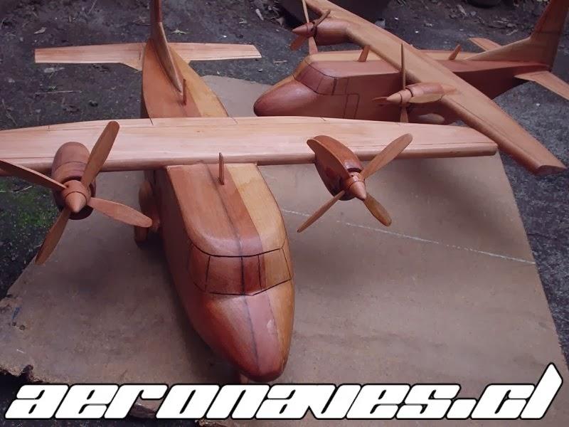 Maqueta en madera Avión CASA C-212