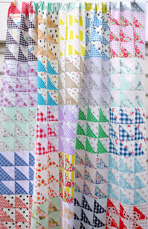 Retro Half Square Triangle Quilt and Quilt Pattern (pdf file) | © Red Pepper Quilts 2017