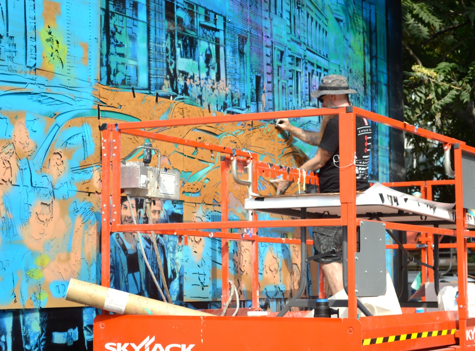 Best  stop work in the degree hot and humid weather a beautiful art wall that we hope could be a permanent fixture It certainly is New York City