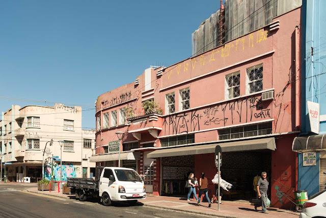 Predinho na Rua Riachuelo, 351 em Curitiba