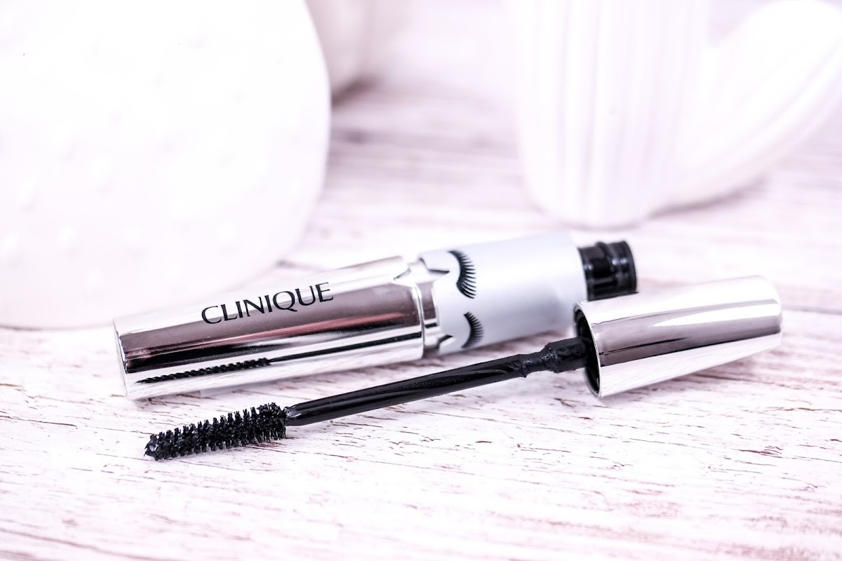 Clinique Lash Power Flatter to Full Mascara