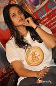 Anushka at Size Zero Pressmeet-thumbnail-5
