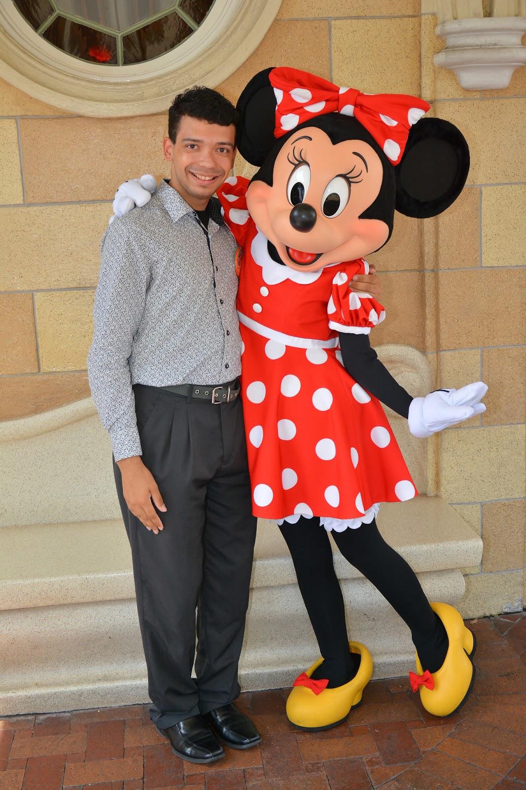 New Minnie u0026 I at Disneyland 2017  sc 1 st  Pupepepets Blog & Pupepepets Blog: Mickey u0026 Minnie Through the Years 1955- Present ...