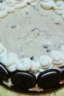 Oreo Ice Cream Cake: Savory Sweet and Satisfying