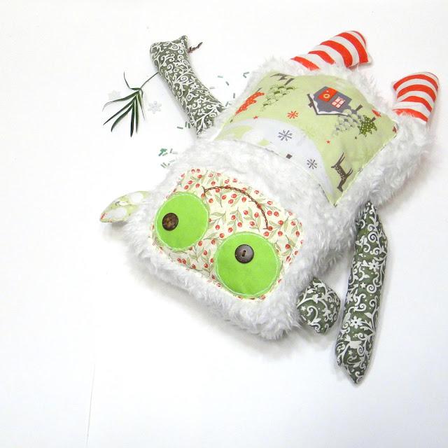 Мягкая игрушка обезьянка: текстиль для детской, меховая подушка. Натуральный хлопок, пуговицы, искусственный пушистый мех