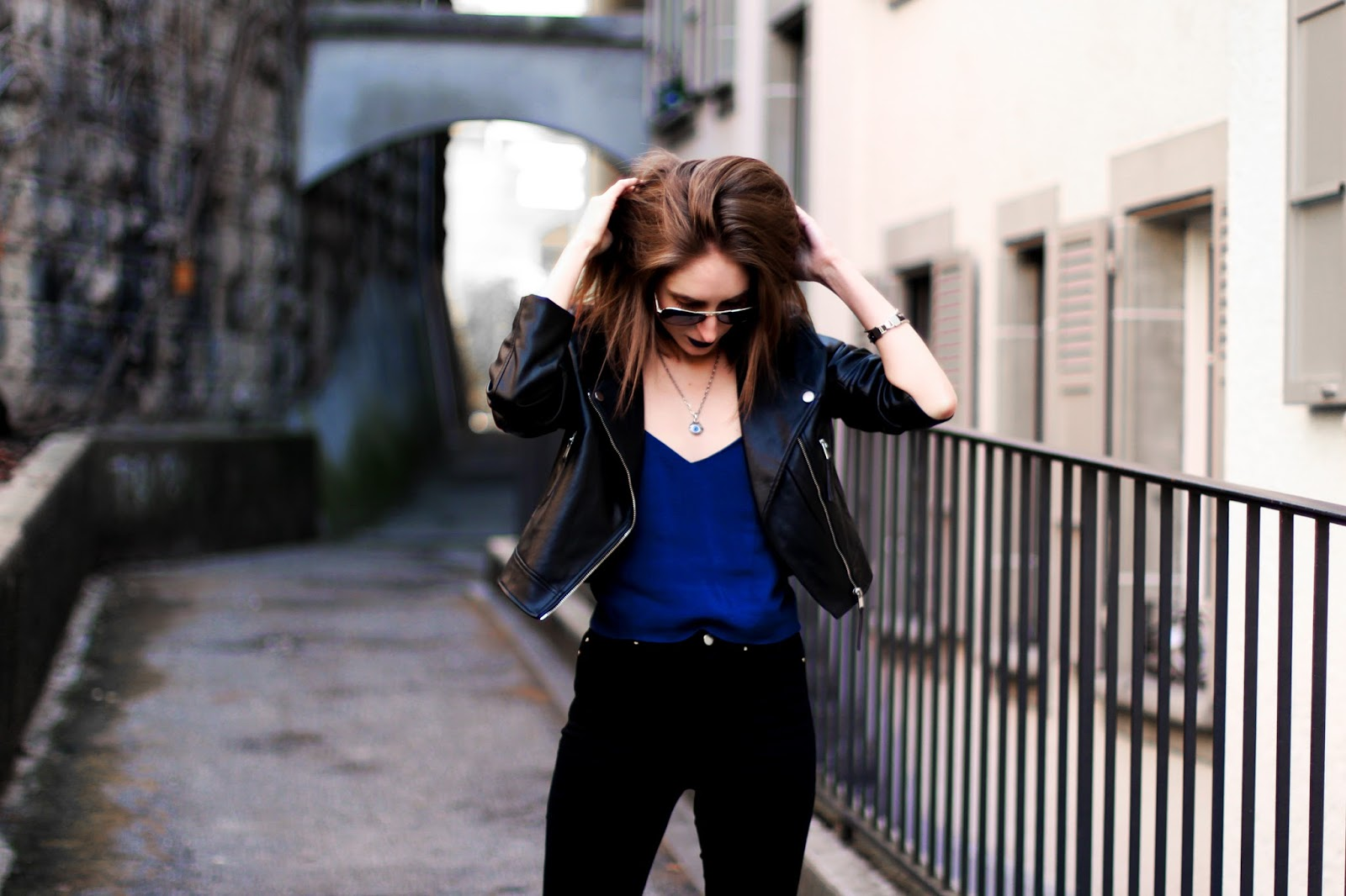 spoonie chronically ill swiss fashion blogger spring leather jacket outfit