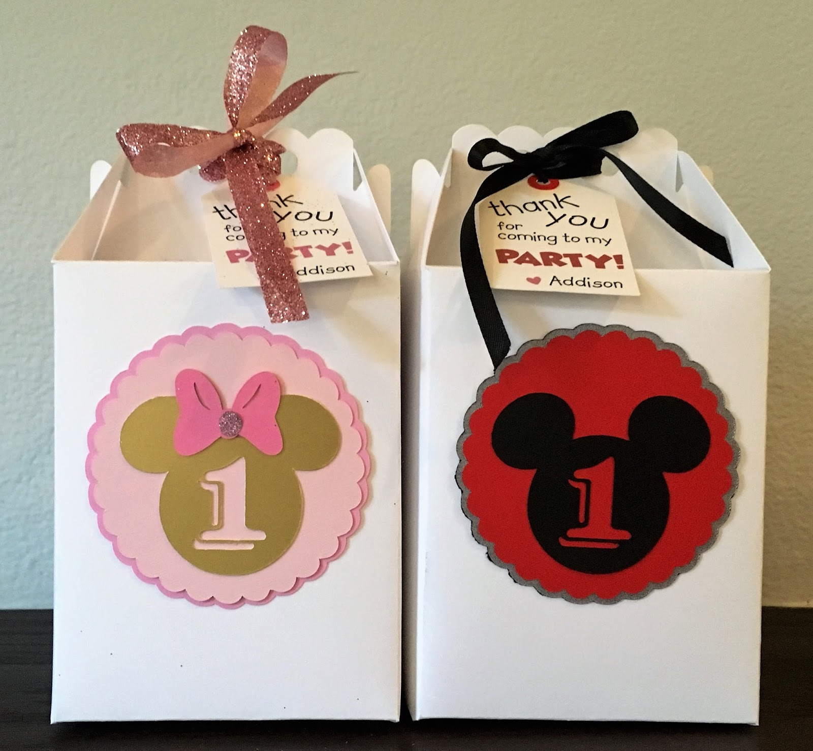 Fantastic Mickey And Minnie Wedding Favors Crest - Wedding Flower ...