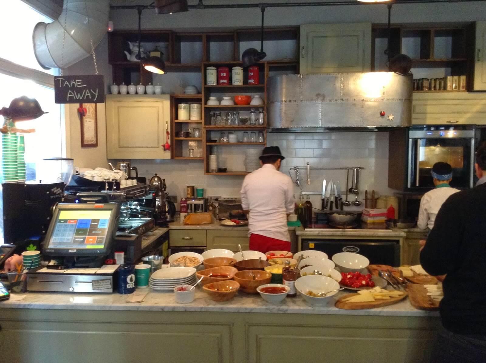 Mums Cafe Kahvaltı Karaköy