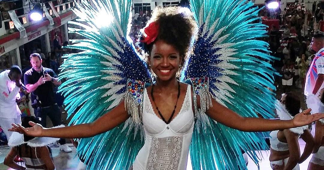 5f9408094 Nayane Rodrigues representa Moda Cearense no desfile da Escola de Samba  União da Ilha de 2019