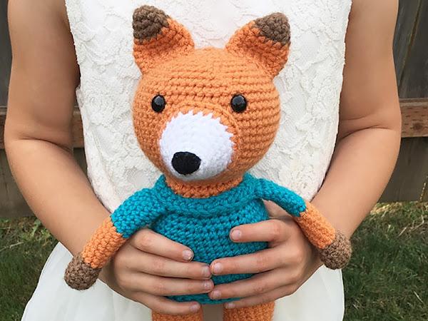 Eli the Fox - A Free Crochet Pattern