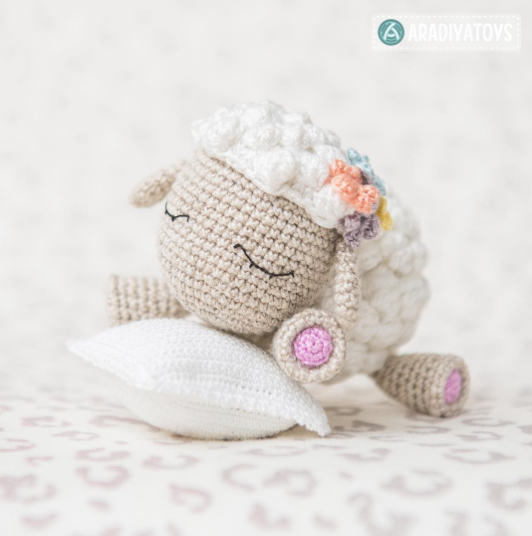 Shelby sheep by Aradiya Toys