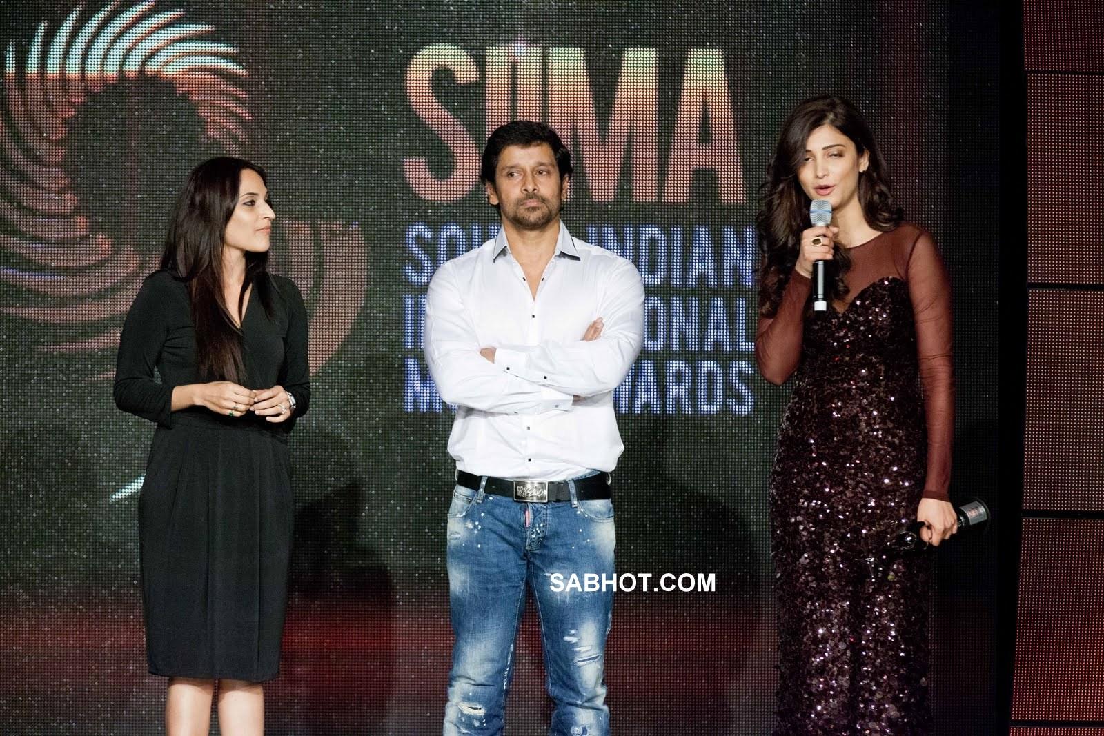 Shruti Hassan  Ashwarya At Siima Awards - Dubai Pics -1451