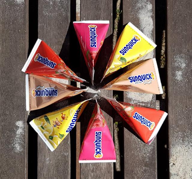 Den Sommer genießen: Leckeres Wassereis aus Dänemark. Das dänische Eis von Sunquick bzw. Sun Lolly gibt es in vielen leckeren Sorten!