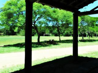 Pequeno Galpão e Campo de Futebol - Parque Saint Hilaire, Viamão