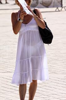 mujeres vestidos transparentes calzon encaje