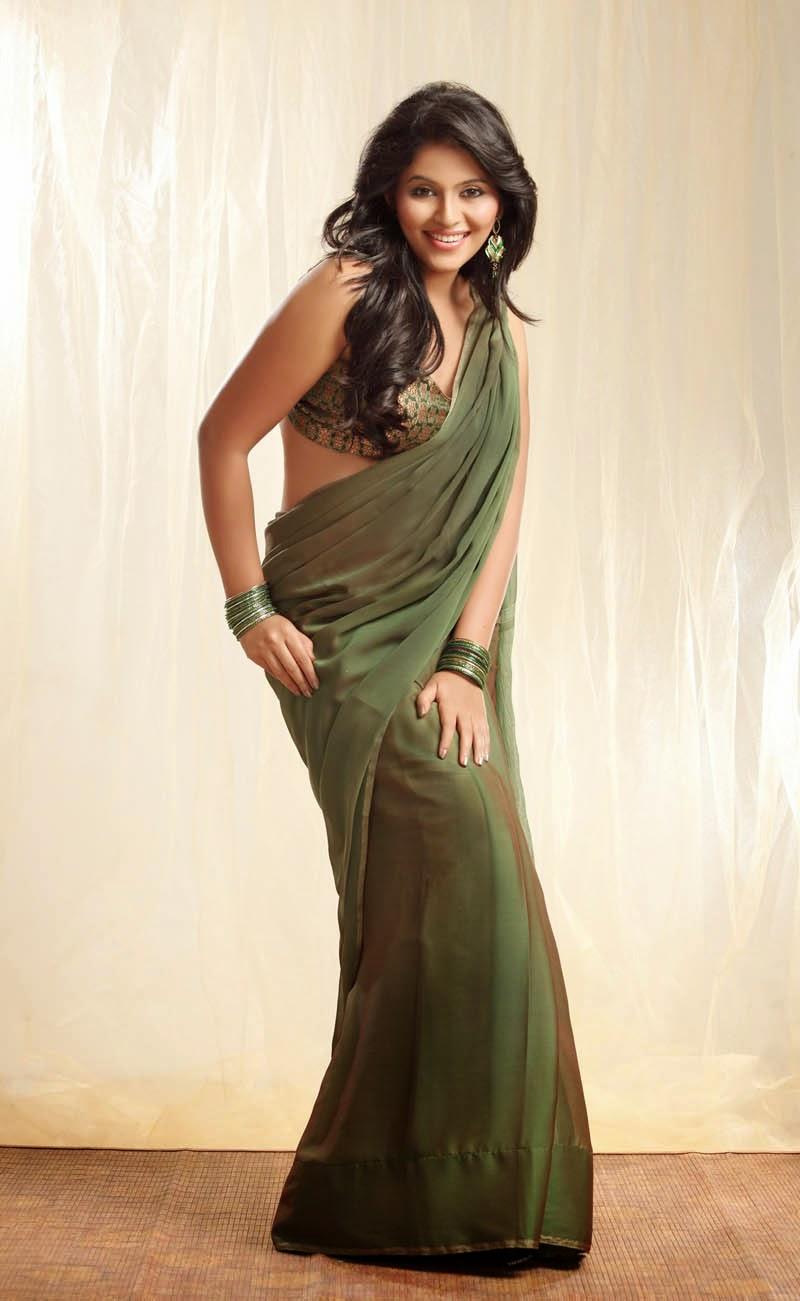 Anjali Spicy Hip Navel Photos In Traditional Green Saree