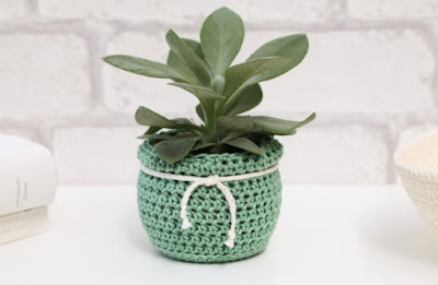 https://www.etsy.com/uk/listing/187478133/plant-pot-succulent-planter-green?ref=related-7