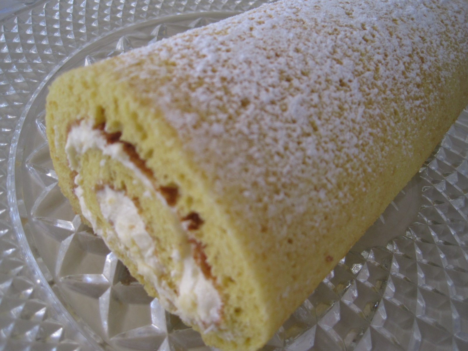 White Cake Jelly Roll Recipe: The Creative Cake Maker: Hubby's First Cake Decorating Attempt