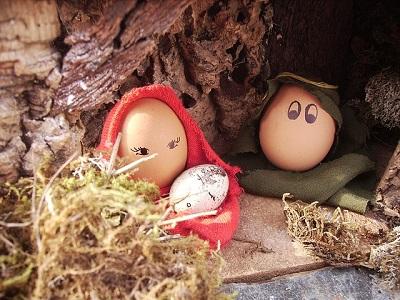 Christmas Manger Scene Using Hard-Boiled Eggs