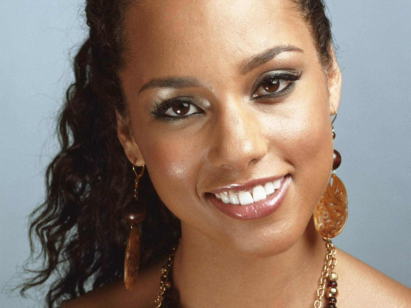 Alicia Keys: The Perfect Human Face: Most Beautiful Mulattos