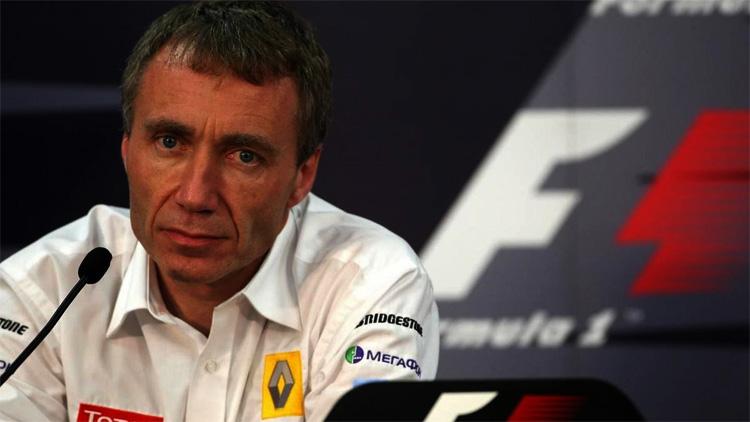 Bob Bell en rueda de prensa en Singapur 2009, crashgate Renault