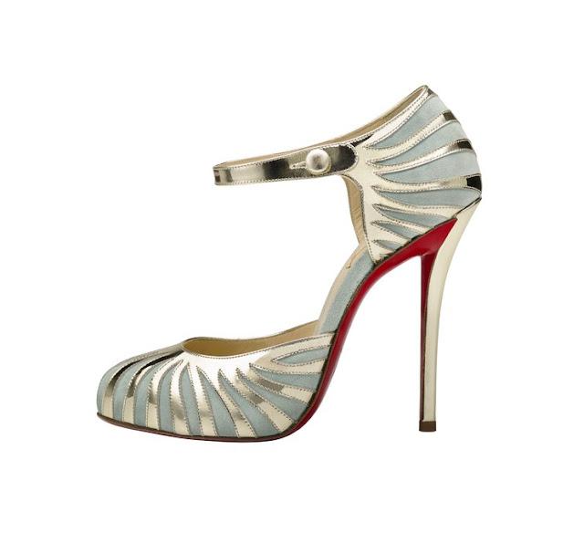 Sapato Laboutin usado por blake com este vestido