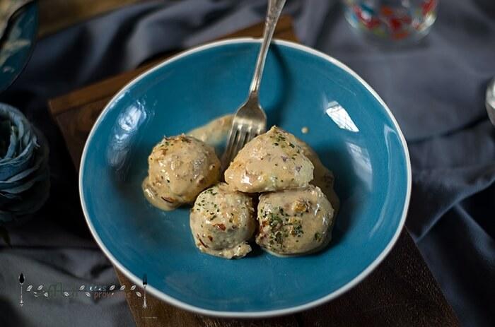 albondigas-pollo-salsa-almendras3
