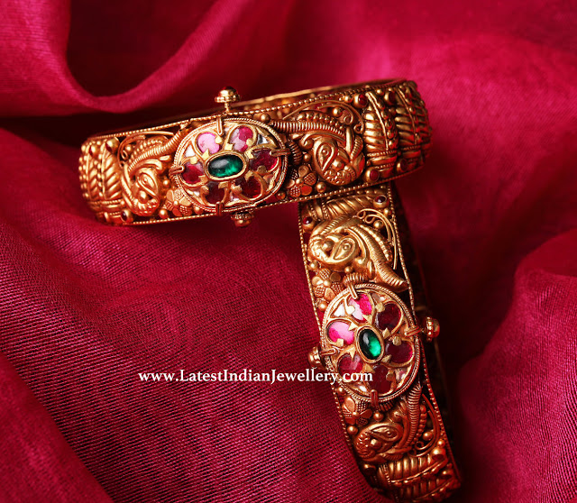 Traditional Design Antique Kada