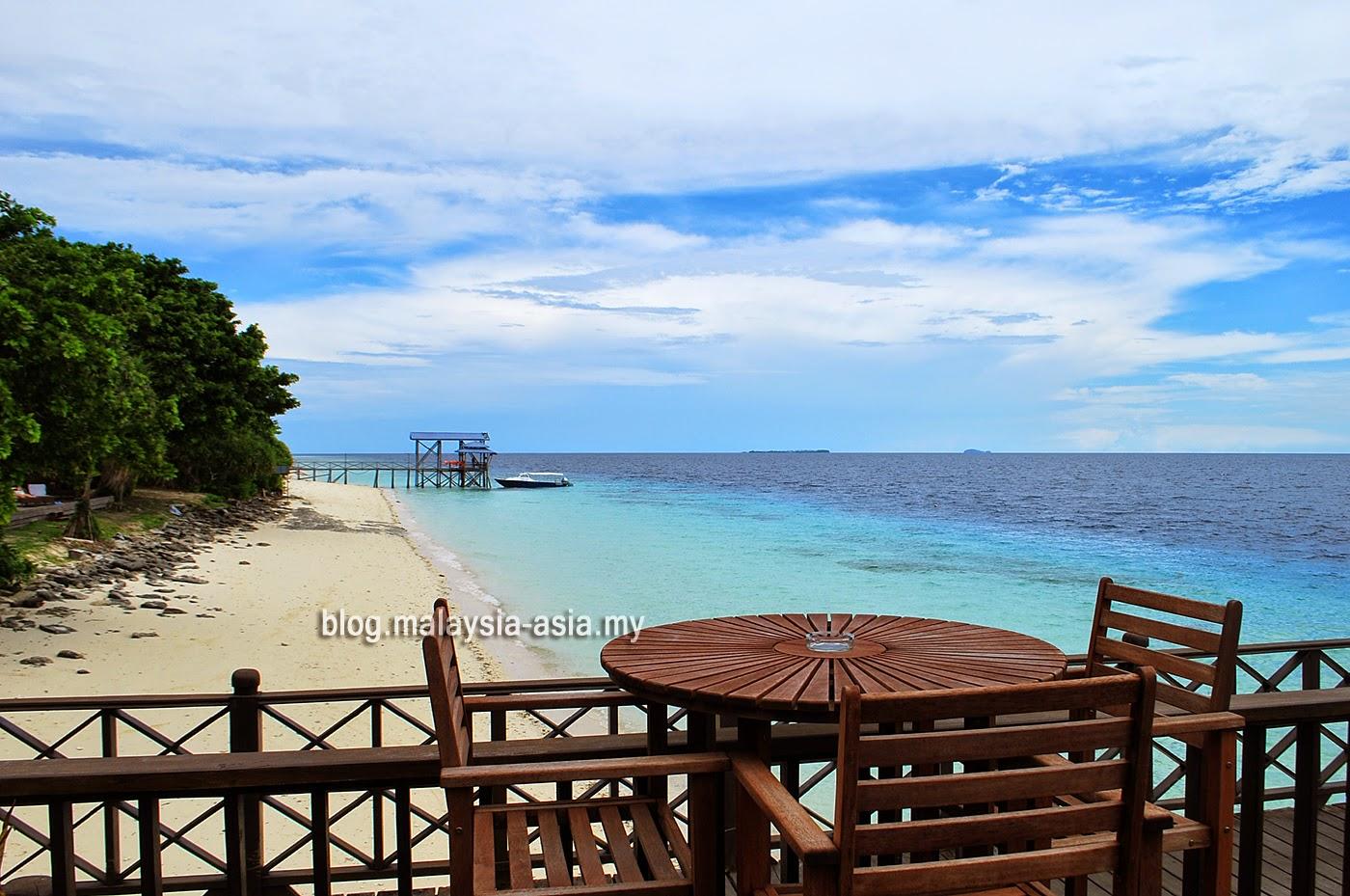 Beach at Mataking island