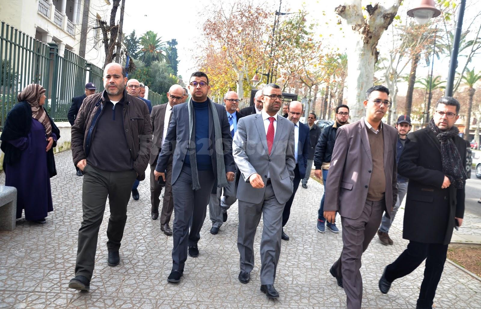 رؤساء جماعات وبرلمانيين عن البيجيدي يهجرون مصالح المواطنين لحضور محاكمة 'حمي الدين'