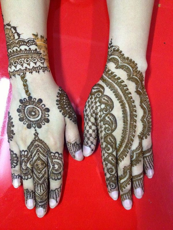 hot mehndi dasigns