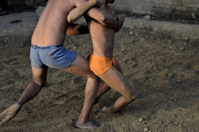 Agra Beyond Taj Mahal - Kushti In The Morning-3294