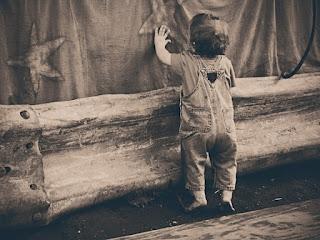 Which Montessori Lessons to Give a Tot? {Confessions of a Montessori Mom} #Montessori #activities #tots