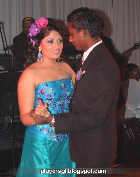 Ajantha Mendis and his wife  Yoshini Mendis
