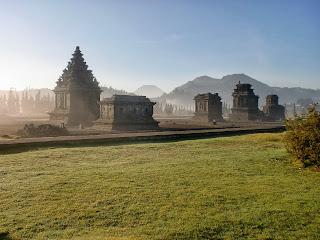 arjuna temple complex, dieng