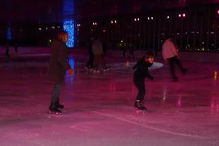 Patinando sobre hielo.