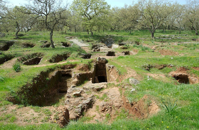 Crete's Late Minoan tombs point way to early European migration