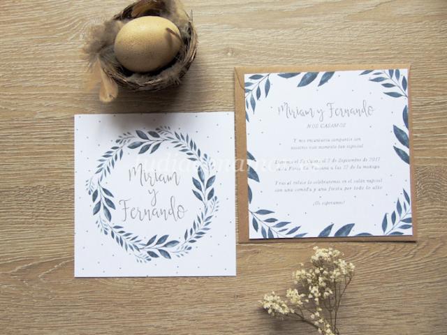 Si buscáis una invitación de boda bonita en acuarela, esta con corona de hojas es perfecta para vuestro enlace.