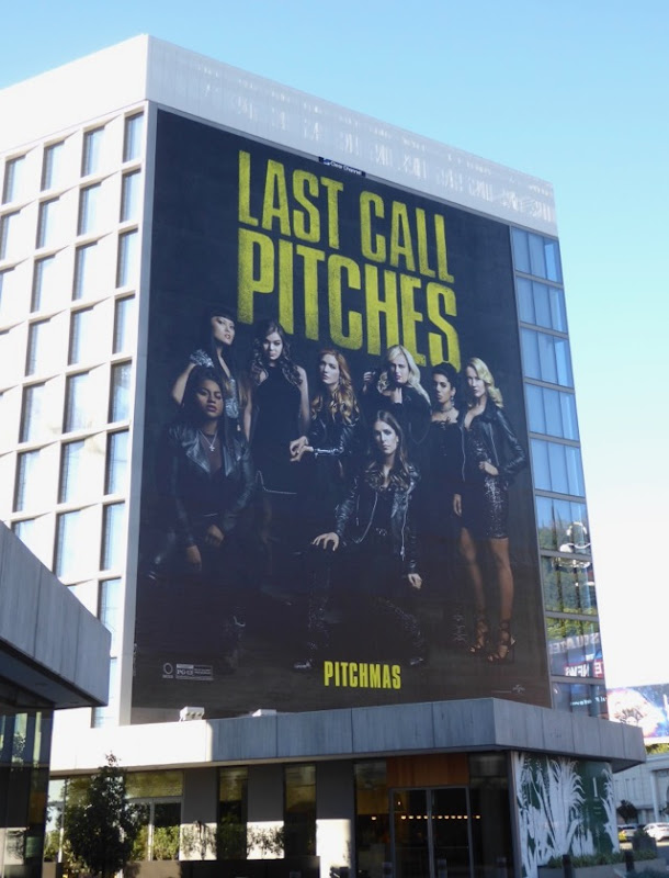 Giant Pitch Perfect 3 film billboard