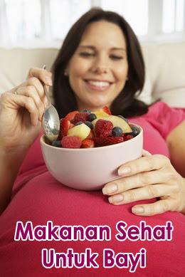 ibu hamil sedang makan