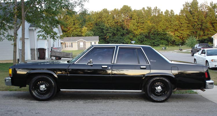 El Ford Crown Victoria de Men in Black