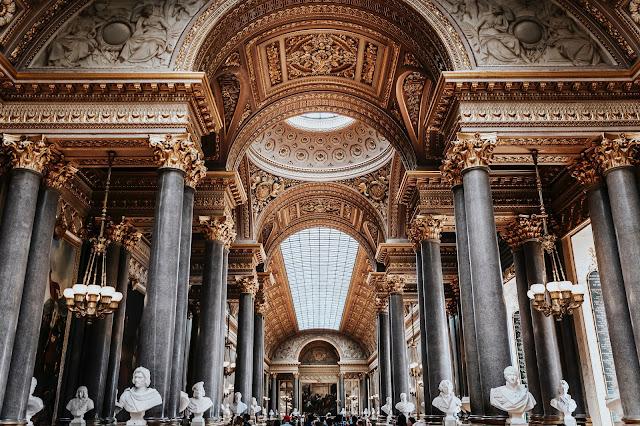 4. Lâu đài Versailles, Paris, Pháp